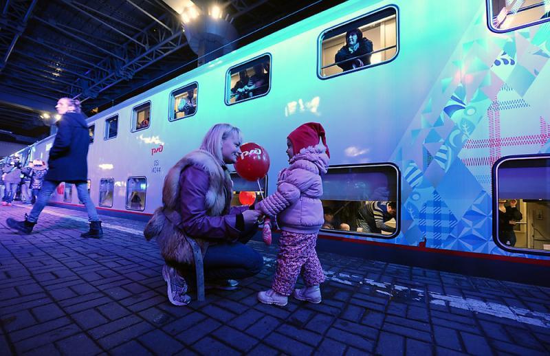 Двухэтажный поезд соединил Олимпийский Сочи и Москву