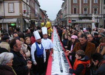"""В Италии открылся шоколадный фестиваль """"Cioccolandia"""""""
