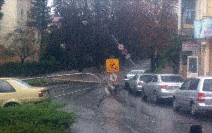 Непогода вызвала задержку 20 рейсов изаэропорта Сочи