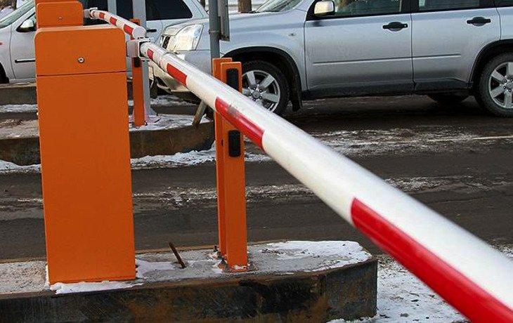 В Краснодаре услуги муниципальных парковок можно будет оплатить только по безналичному расчету