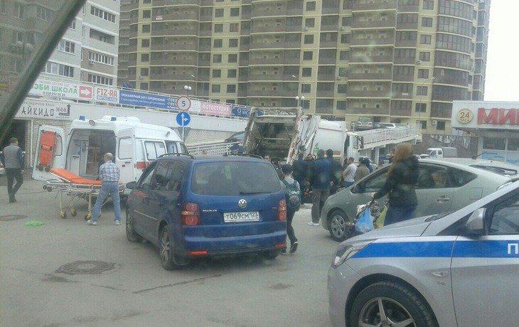 В Краснодаре мусоровоз сбил 11-летнего мальчика