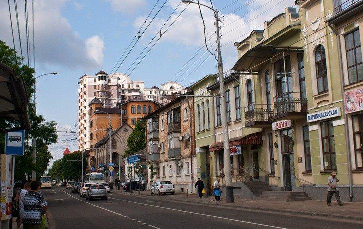 Власти Краснодара рекомендовали работодателям установить размер зарплаты не менее 40 280 рублей