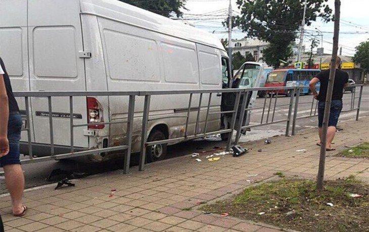 В Краснодаре в жестком ДТП погибли три человека