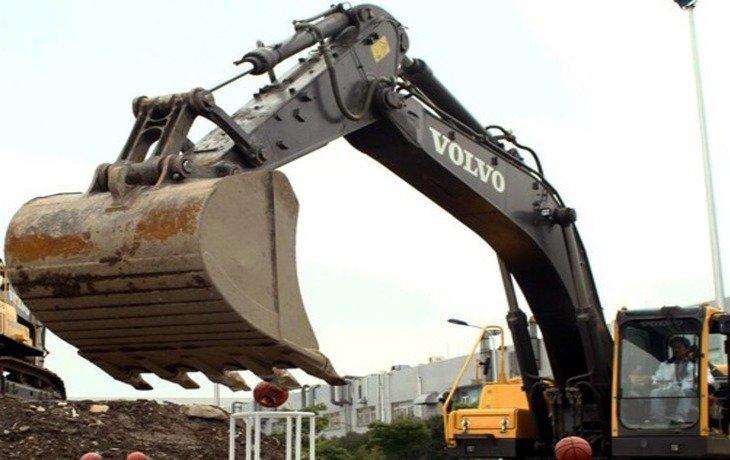 Власти Сочи добиваются демонтажа 13-этажного самостроя